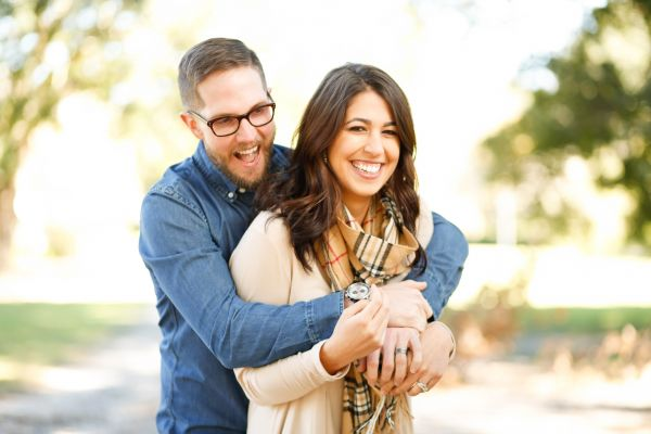 Calgary Dating: 5 Reasons Why You Should Try Speed Dating Over Online Dating | Calgary Speed Dating